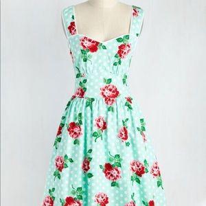 ModCloth Sight for Sunrise Dress - Size S